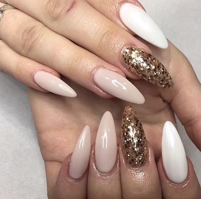 Маникюр с блестками на длинные ногти