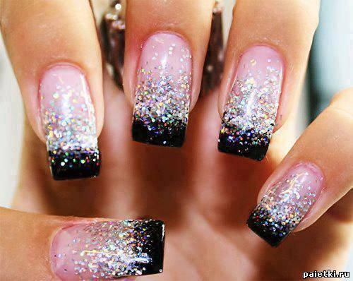 Фото с блестками на нарощенных ногтях