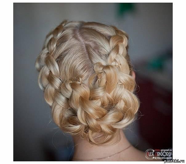 Прическа для невесты с плетением кос.