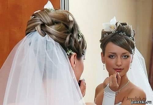 прически невест с фатой фото