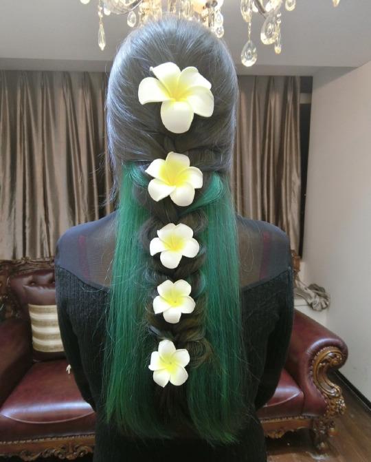 Декор с волосами